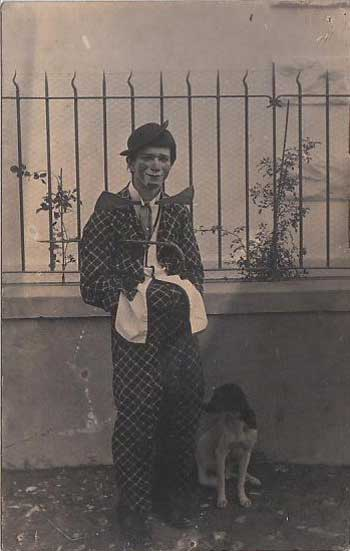 Postcard of a French clown in a checkered suit