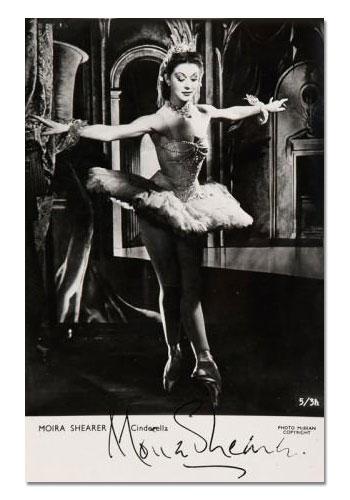 Signiertes Foto von Moira Sheraer als Cinderella