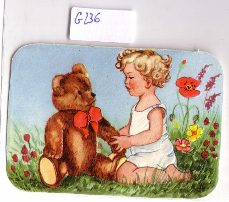 Glanzbild Mädchen sitzt mit Teddybär