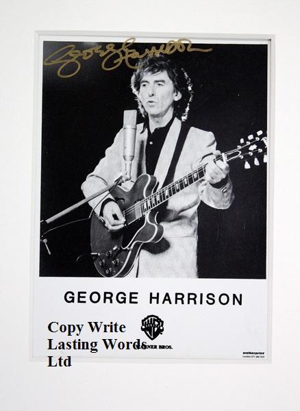 Signiertes Foto von George Harrison