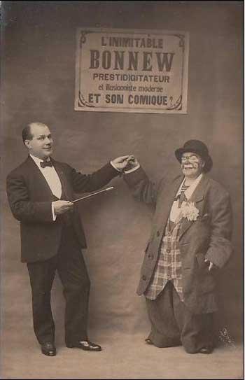Französische PostkarteL 'Inimitable Bonnew mit Clown