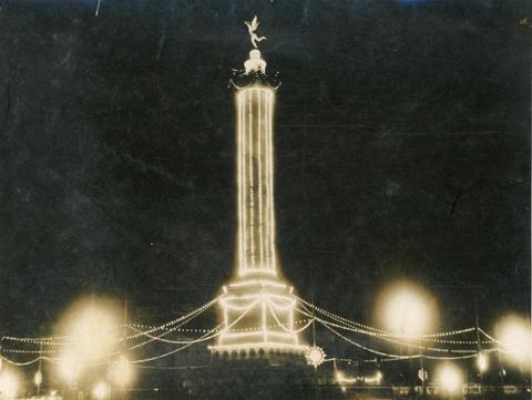 Place de la Bastille, 14 juillet 1932