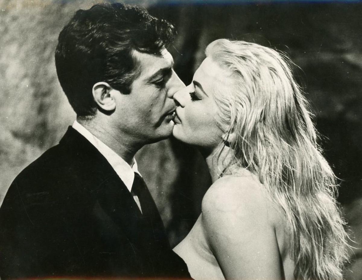 Marcello Mastroianni et Anita Ekberg
