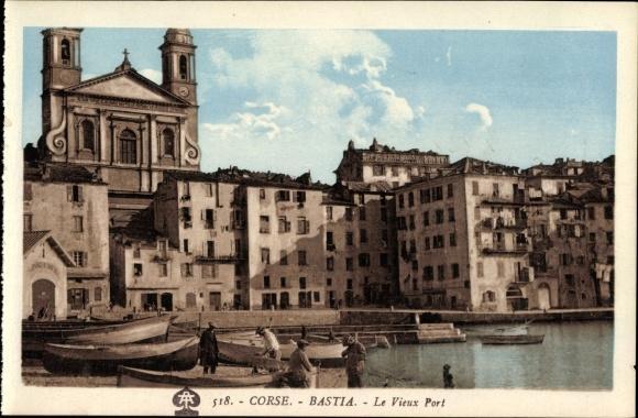 Carte postale en couleurs de Bastia, vieux port