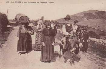 Une caravane de paysans corses