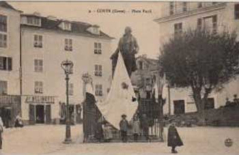 Place Paoli avec le drapeau Corse