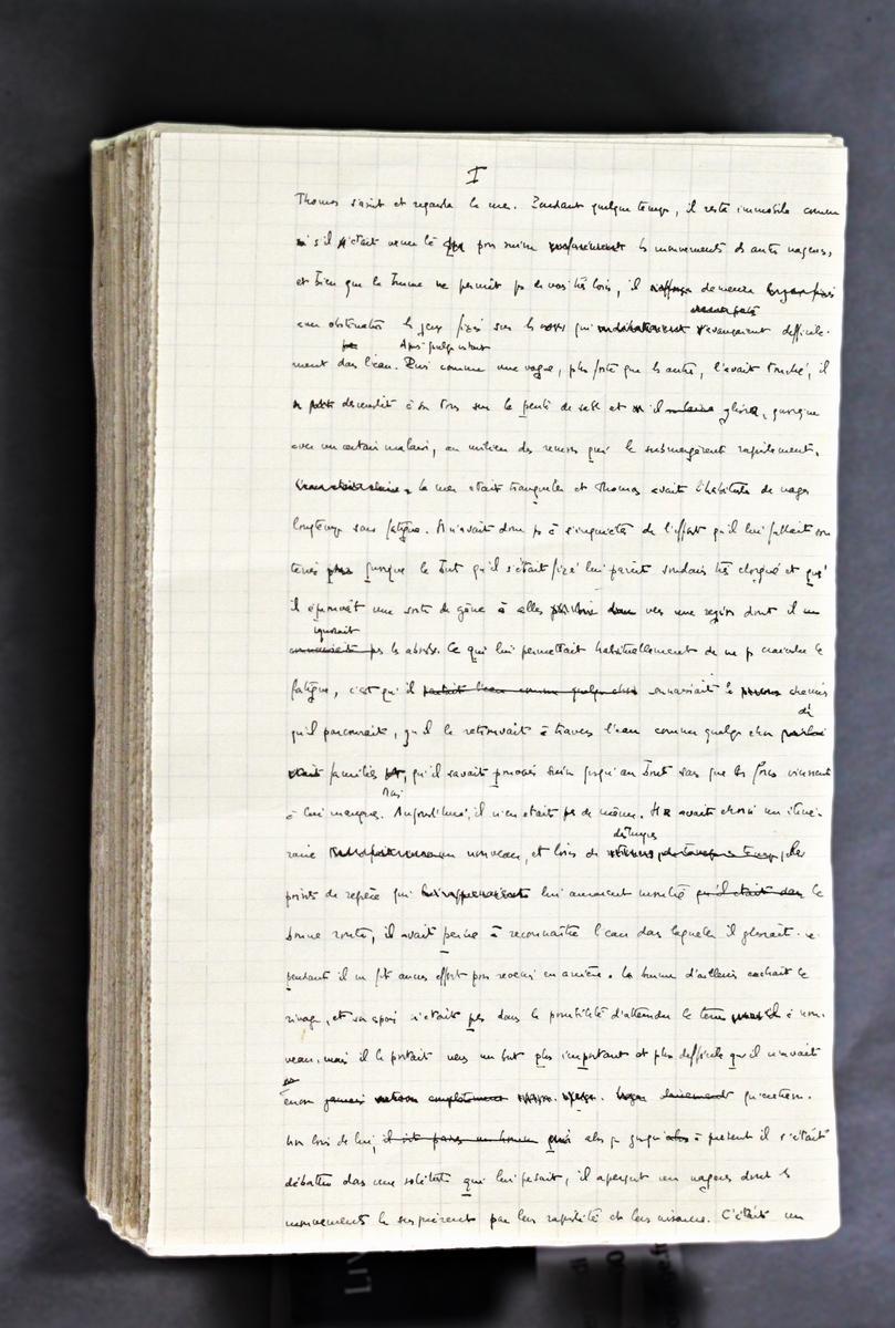 Manuscrit et tapuscrit complet constituant la version primitive de Thomas l'obscur